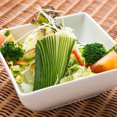 Green Salad/グリーンサラダ ¥400~
